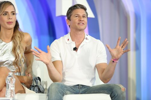 """David Burtka Opened Up About How Gay Marriage Is a """"Non-Issue"""" For His Kids' Generation"""