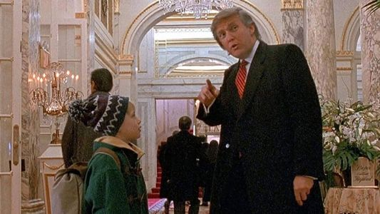 Macaulay Culkin Supports Petition to Remove Trump from Home Alone 2