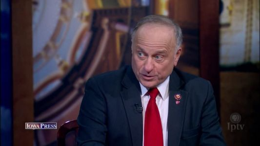 Man Arrested for Throwing Water at Rep. Steve King at Iowa Restaurant
