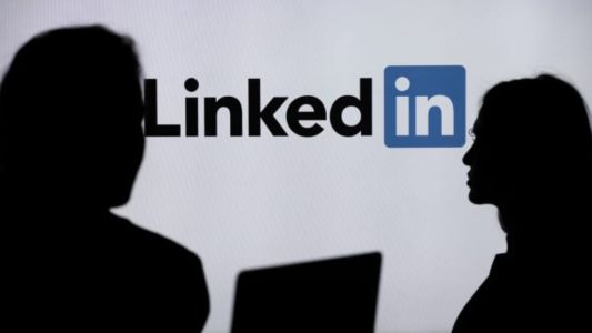 Microsoft Shutters Chinese LinkedIn After Canceling American Journalists