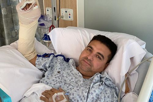 'Cake Boss' star Buddy Valastro's mangles hand in bowling accident