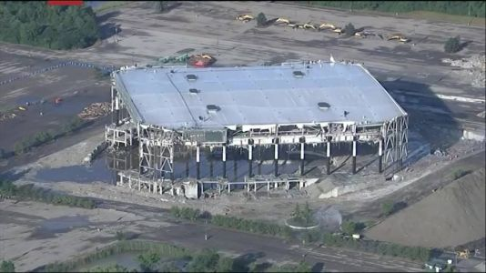 VIDEO: Pistons' onetime home, the Palace of Auburn Hills, torn down