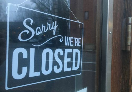 Governor Reynolds Extends Bar Closures in Johnson, Story Counties