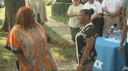 Des Moines woman meets 'guardian angels' who saved her life from carbon monoxide