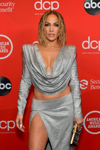 Jennifer Lopez's Floating Eyeliner Look at the American Music Awards Is on Point