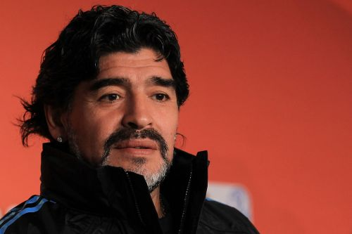 BREAKING: Diego Maradona Dies at 60, According to Reports