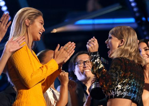 """Auntie"" Taylor Swift Just Sent Gigi Hadid the Cutest Handmade Gift For Her Baby Girl"