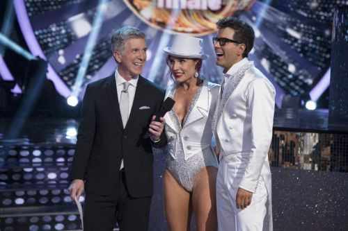 'Dancing with the Stars' to announce new Season 28 cast on August 21