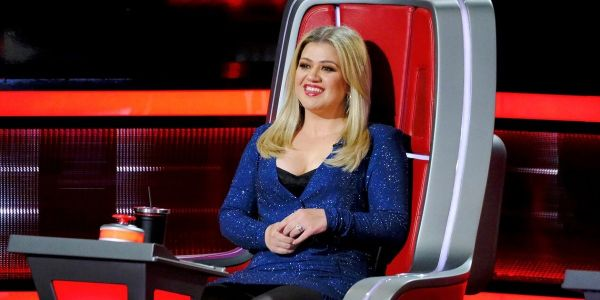 Why The Voice's Kelly Clarkson Has 'Enjoyed' Filming The Show With COVID Rules In Place