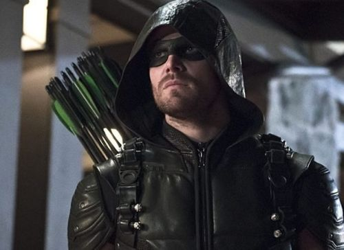 Crisis on Infinite Earths: Stephen Amell Wraps Filming on Crossover Event