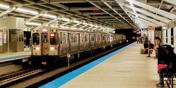 Chicago Transit Authority Criticized After Suspending All Bus & Rail Service With Barely An Hour Notice