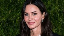 Courteney Cox Shares Classic Snap Of The 'Friends' Recreating 'The Last Supper'