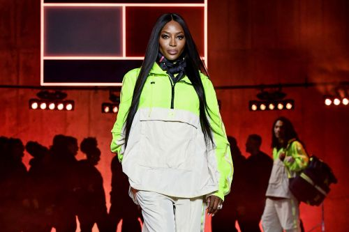 Naomi Campbell shares topless selfie after London Fashion Week show