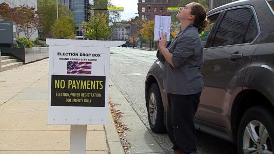 Michigan sets new record for absentee voting