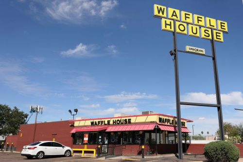 Reporter Spends Night in Mississippi Waffle House After His Fantasy Football Team Comes in Last; Twitterverse Cheers Him On