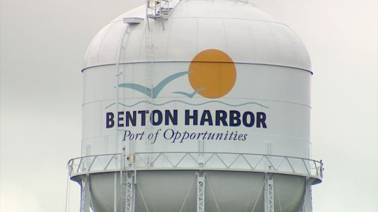 Benton Harbor completely without water after water main bursts