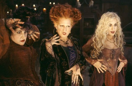 """The Hocus Pocus Cast Reunited to Put a Spell on You Ahead of Election Day: """"Make Them Vote!"""""""