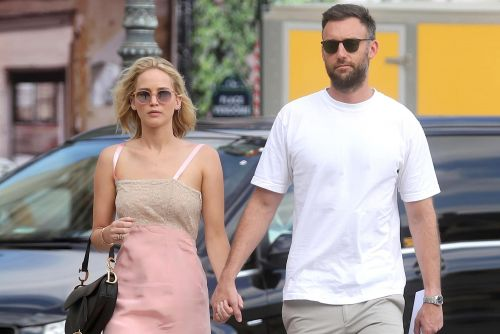 Jennifer Lawrence marries Cooke Maroney in Rhode Island