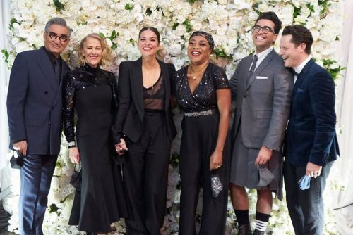 How 'Schitt's Creek' cast was able to gather for 2020 Emmys amid COVID-19