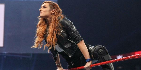 WWE Elimination Chamber: Becky Lynch Destroys Ronda Rousey & Charlotte