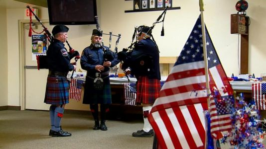 Community honors deploying soldiers during event