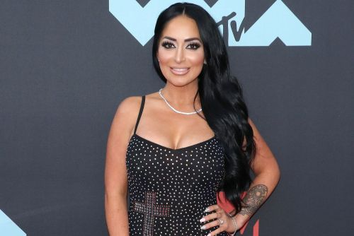 'Jersey Shore' star Angelina Pivarnick hounded for sex by FDNY boss: suit
