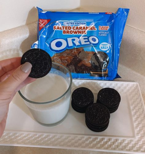 The Salted Caramel Brownie Oreos Just Became My Favorite Late-Night Snack