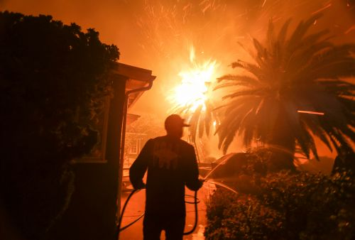Celebs continue to worry about their homes amid California wildfires