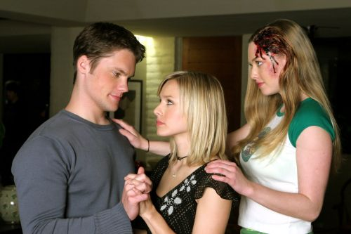 Before You Binge the New Season of Veronica Mars, Brush Up on the Show's Original Mystery