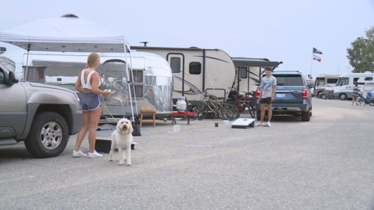 Campers along lakeshore wait out predicted storm