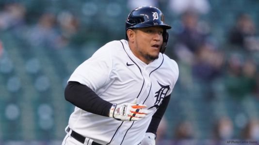 Cabrera becomes Venezuelan hit king, Tigers beat Royals